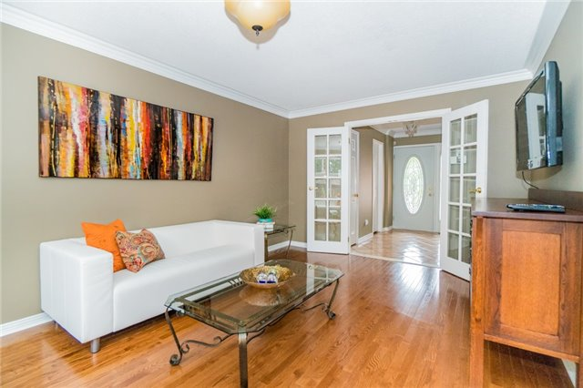 Detached at 4303 Mayflower Dr, Mississauga, Ontario. Image 12