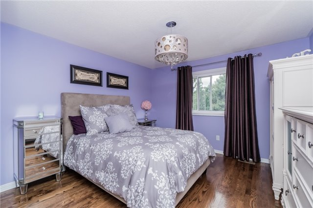 Detached at 4303 Mayflower Dr, Mississauga, Ontario. Image 6
