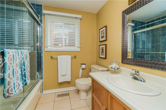 Detached at 4303 Mayflower Dr, Mississauga, Ontario. Image 7
