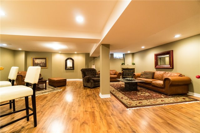 Detached at 4303 Mayflower Dr, Mississauga, Ontario. Image 8
