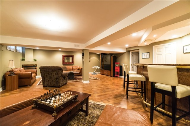 Detached at 4303 Mayflower Dr, Mississauga, Ontario. Image 9