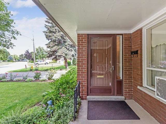 Detached at 27 Buxton Rd, Toronto, Ontario. Image 12