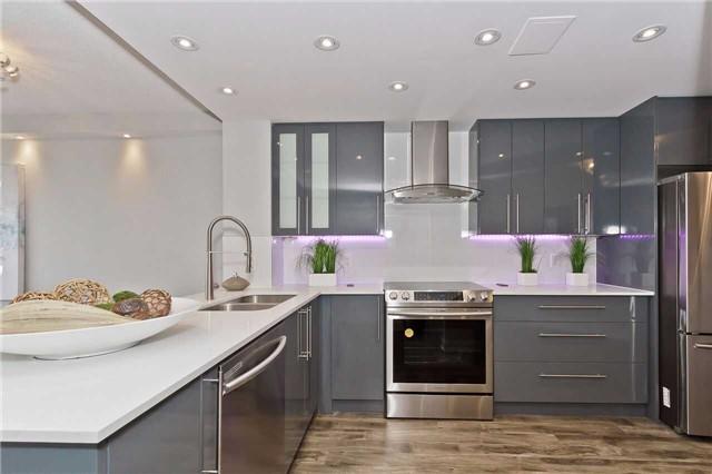 Condo Apartment at 1500 Grazia Crt, Unit 807, Mississauga, Ontario. Image 1