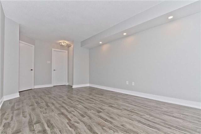 Condo Apartment at 1500 Grazia Crt, Unit 807, Mississauga, Ontario. Image 14