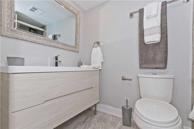 Condo Apartment at 1500 Grazia Crt, Unit 807, Mississauga, Ontario. Image 2