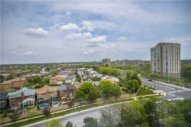 Condo Apartment at 200 Robert Speck Pkwy, Unit 1004, Mississauga, Ontario. Image 10