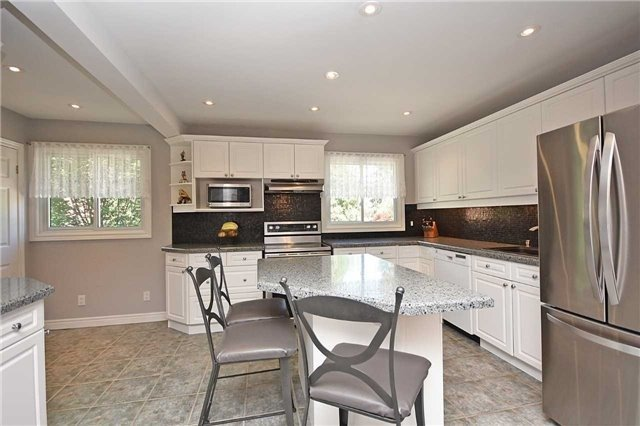 Condo Townhouse at 2145 Sherobee Rd, Unit 101, Mississauga, Ontario. Image 18