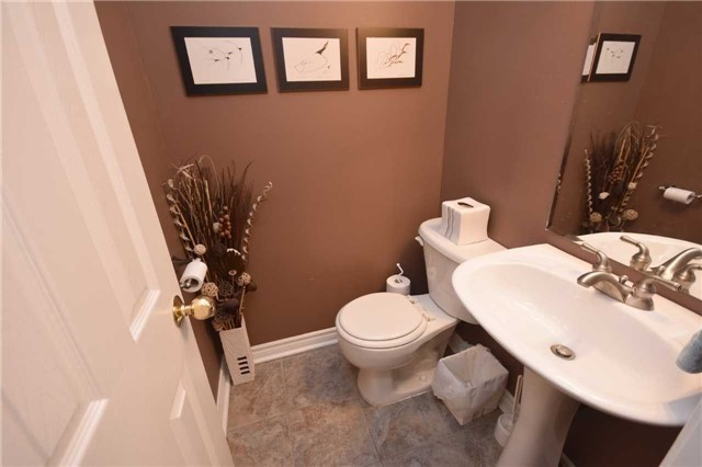 Condo Townhouse at 2145 Sherobee Rd, Unit 101, Mississauga, Ontario. Image 2