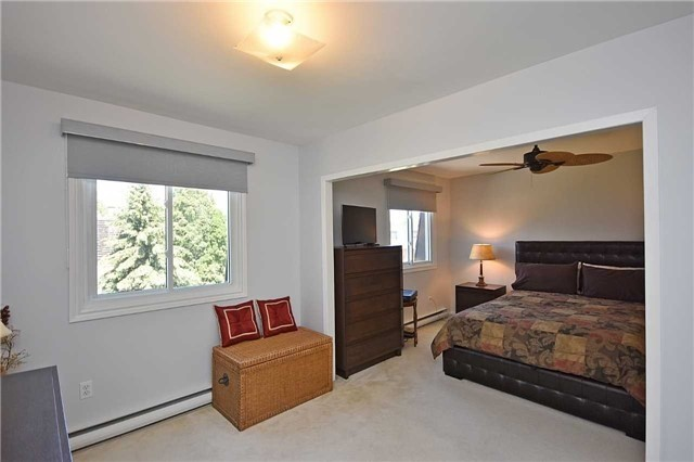 Condo Townhouse at 2145 Sherobee Rd, Unit 101, Mississauga, Ontario. Image 3