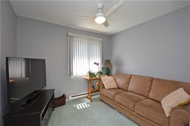 Condo Townhouse at 2145 Sherobee Rd, Unit 101, Mississauga, Ontario. Image 8