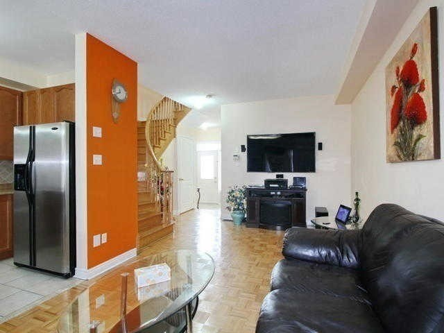 Semi-detached at 64 Rocky Point Cres, Brampton, Ontario. Image 11