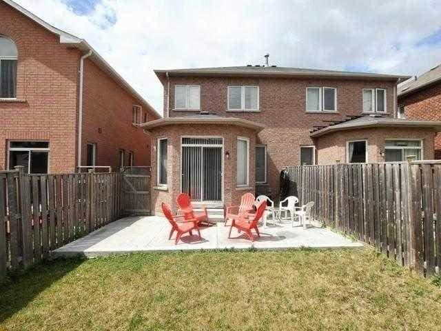 Semi-detached at 64 Rocky Point Cres, Brampton, Ontario. Image 7