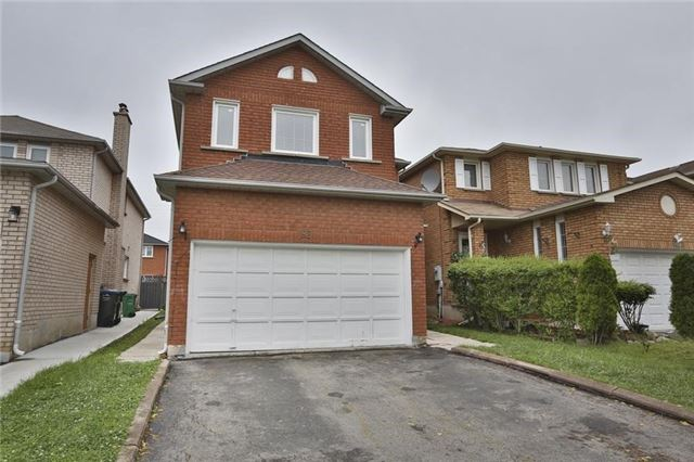 Detached at 92 Michigan Ave, Brampton, Ontario. Image 1