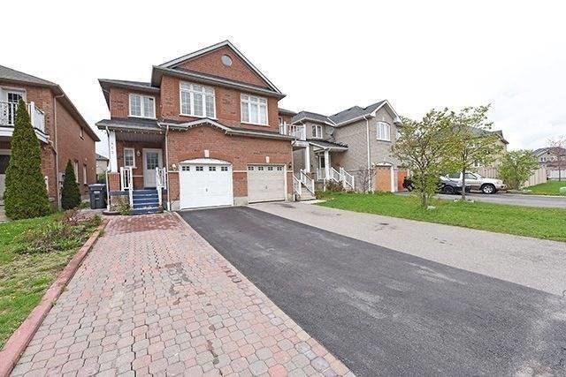 Semi-detached at 463 Oaktree Circ, Mississauga, Ontario. Image 1