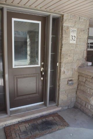 Townhouse at 2435 Greenwich Dr, Unit 32, Oakville, Ontario. Image 12