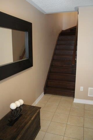 Townhouse at 2435 Greenwich Dr, Unit 32, Oakville, Ontario. Image 14