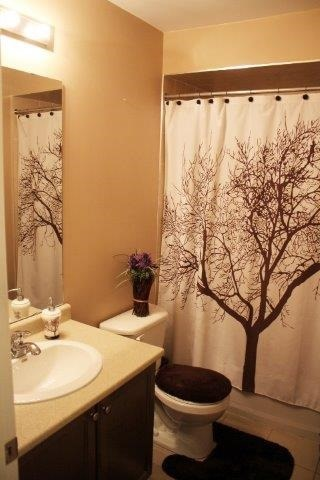 Townhouse at 2435 Greenwich Dr, Unit 32, Oakville, Ontario. Image 7