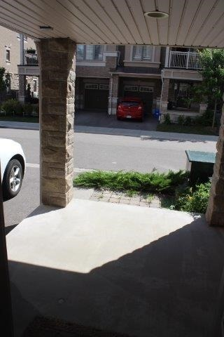 Townhouse at 2435 Greenwich Dr, Unit 32, Oakville, Ontario. Image 13