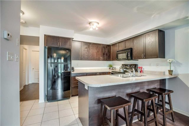 Condo Townhouse at 2551 Sixth Line, Unit 9, Oakville, Ontario. Image 19