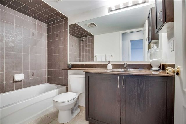 Condo Townhouse at 2551 Sixth Line, Unit 9, Oakville, Ontario. Image 9