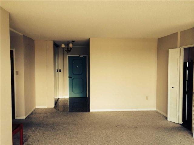 Condo Apartment at 1359 White Oaks Blvd, Unit 1607, Oakville, Ontario. Image 2
