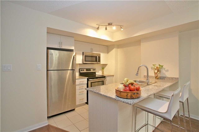 Condo Townhouse at 13 Foundry Ave, Unit 140, Toronto, Ontario. Image 16