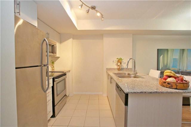 Condo Townhouse at 13 Foundry Ave, Unit 140, Toronto, Ontario. Image 17