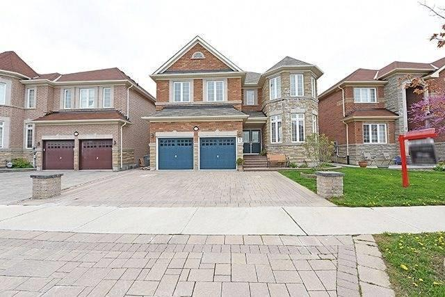 Detached at 5390 Freshwater Dr, Mississauga, Ontario. Image 1