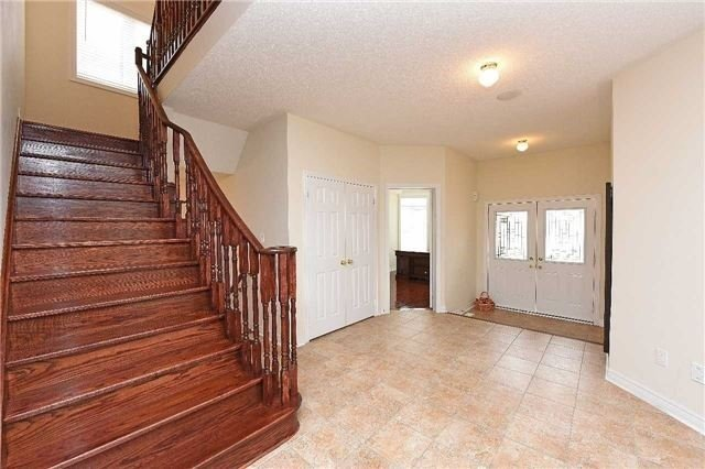 Detached at 5390 Freshwater Dr, Mississauga, Ontario. Image 12