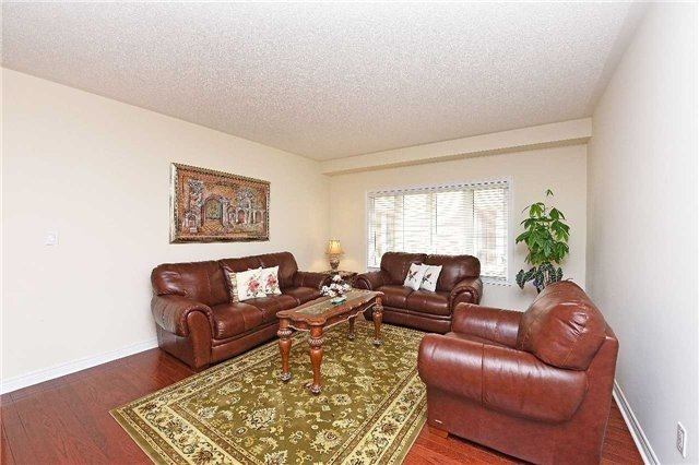 Detached at 5390 Freshwater Dr, Mississauga, Ontario. Image 15