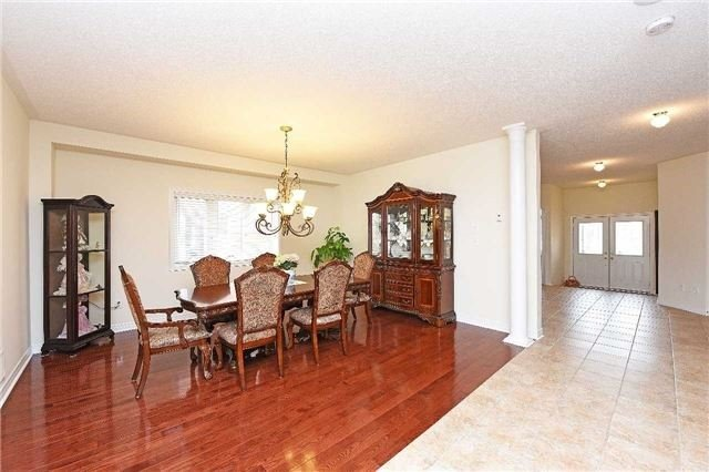 Detached at 5390 Freshwater Dr, Mississauga, Ontario. Image 16