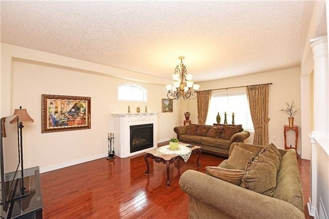 Detached at 5390 Freshwater Dr, Mississauga, Ontario. Image 17