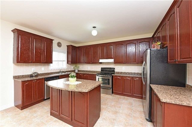 Detached at 5390 Freshwater Dr, Mississauga, Ontario. Image 18