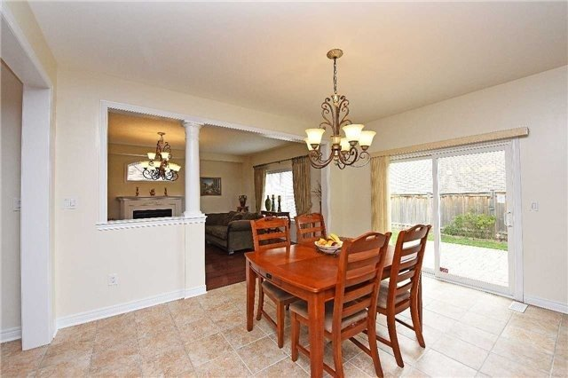 Detached at 5390 Freshwater Dr, Mississauga, Ontario. Image 20