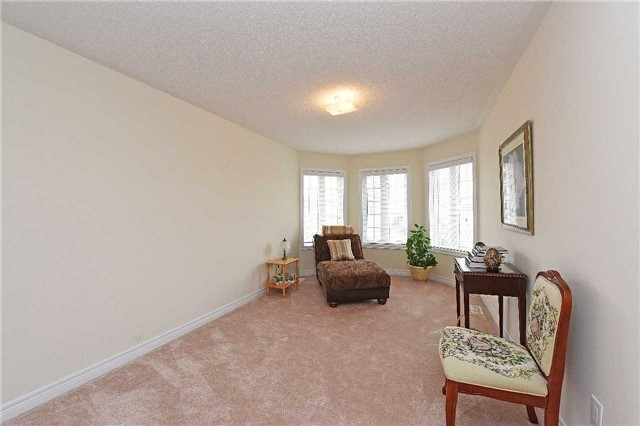 Detached at 5390 Freshwater Dr, Mississauga, Ontario. Image 8