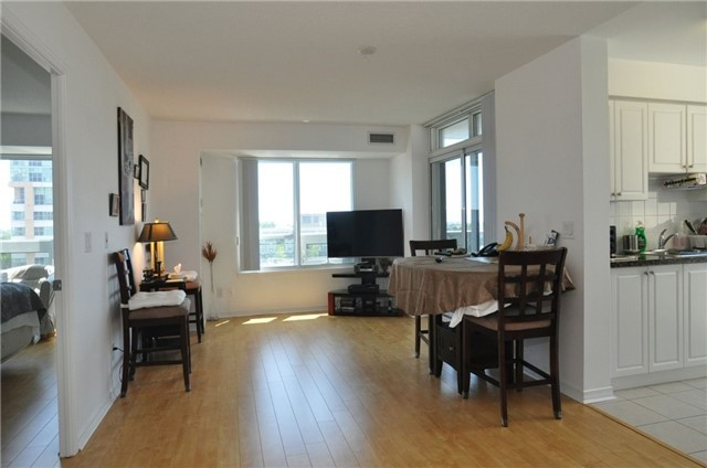 Condo Apartment at 3 Michael Power Pl, Unit 707, Toronto, Ontario. Image 4