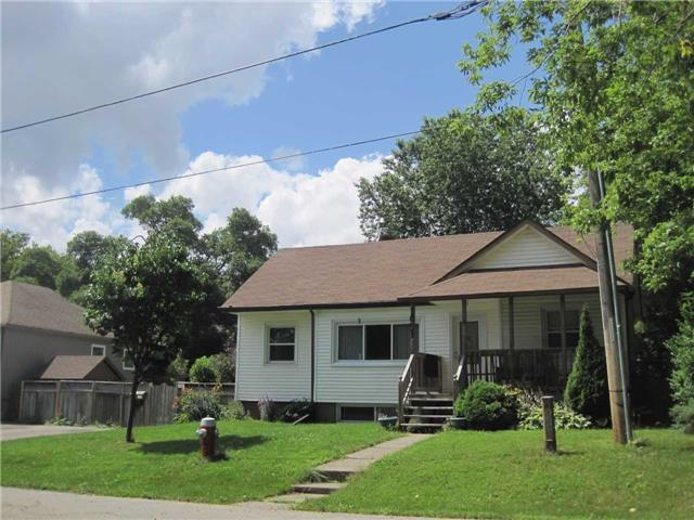 Detached at 1091 Sawyer Ave, Mississauga, Ontario. Image 2