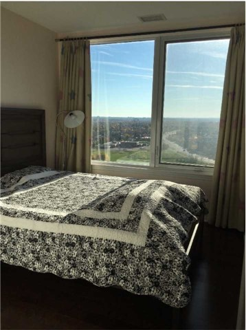 Condo Apartment at 385 Prince Of Wales Dr, Unit 1611, Mississauga, Ontario. Image 11