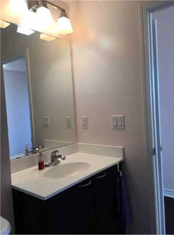 Condo Apartment at 385 Prince Of Wales Dr, Unit 1611, Mississauga, Ontario. Image 16