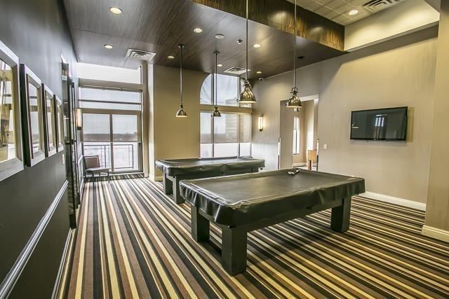 Condo Apartment at 385 Prince Of Wales Dr, Unit 1611, Mississauga, Ontario. Image 6