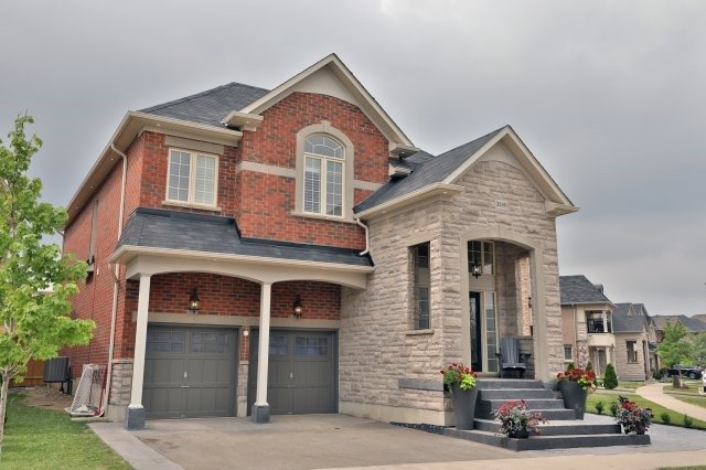 Detached at 3280 Aventurine Ave, Burlington, Ontario. Image 1