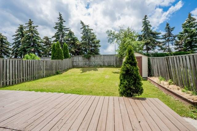 Detached at 3492 Ingram Rd, Mississauga, Ontario. Image 13