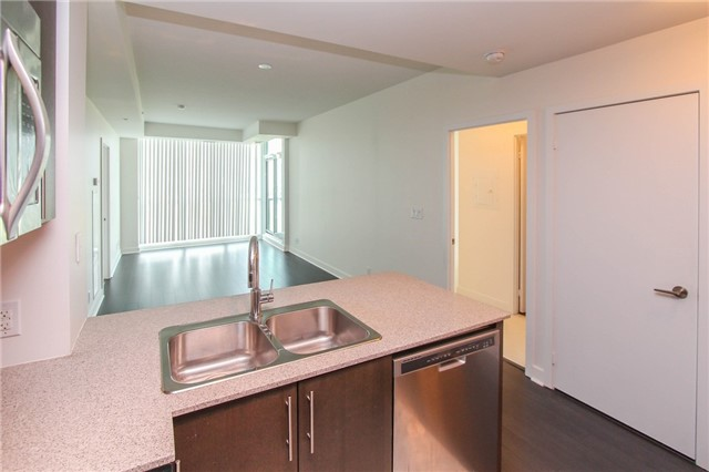 Condo Apartment at 3985 Grand Park Dr, Unit 712, Mississauga, Ontario. Image 15