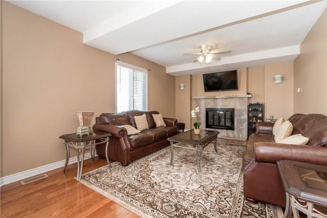Detached at 6005 Tenth Line W, Mississauga, Ontario. Image 16