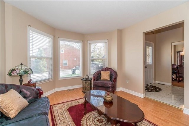 Detached at 6005 Tenth Line W, Mississauga, Ontario. Image 6