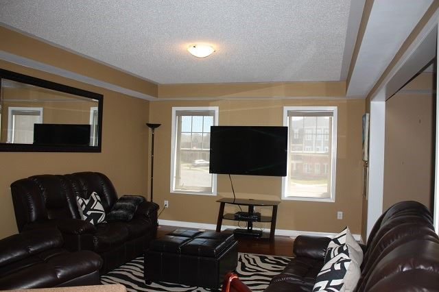 Townhouse at 929 Savoline Blvd, Milton, Ontario. Image 17