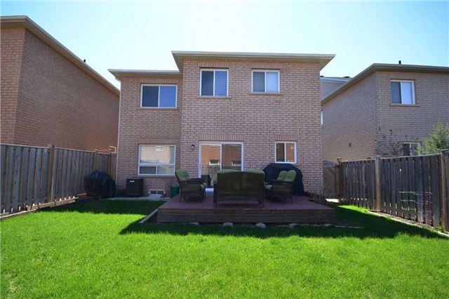 Detached at 5 Larkberry Rd, Brampton, Ontario. Image 11