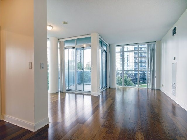 Condo Apartment at 90 Absolute Ave, Unit 506, Mississauga, Ontario. Image 17