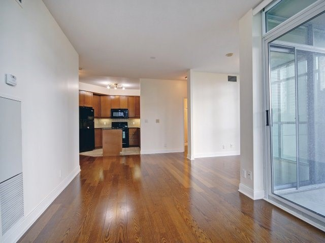 Condo Apartment at 90 Absolute Ave, Unit 506, Mississauga, Ontario. Image 20