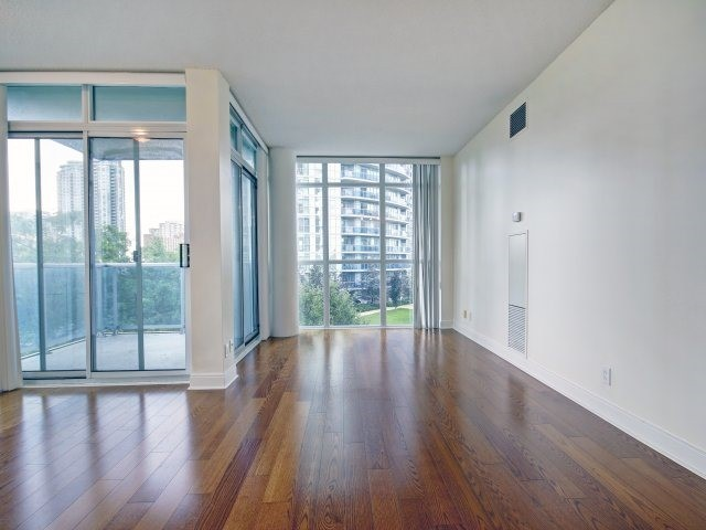 Condo Apartment at 90 Absolute Ave, Unit 506, Mississauga, Ontario. Image 4